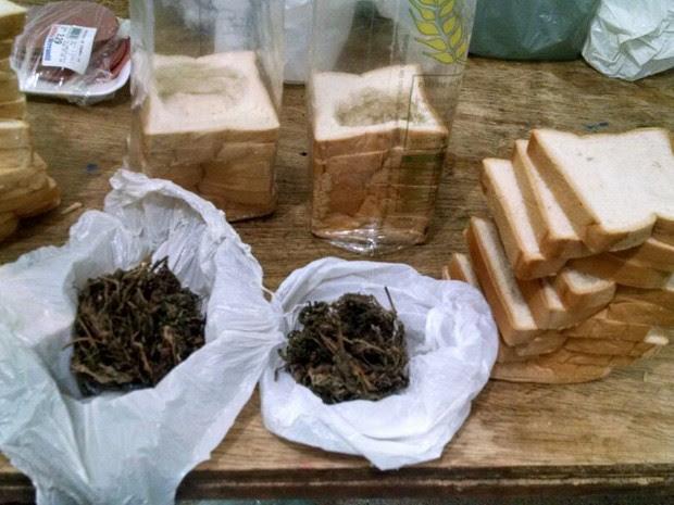 Droga foi encontrada após a Polícia Militar realizar revistas dentro da Cadeia de Serra Talhada (Foto: Divulgação/Polícia Militar)