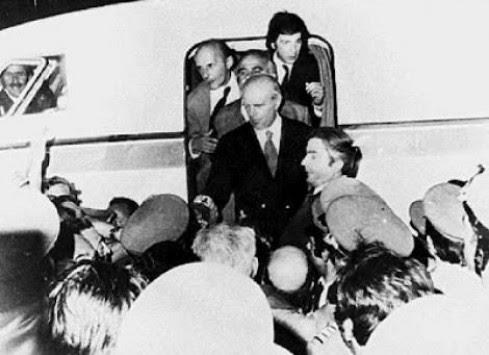 24 Ιουλίου 1974: H νύχτα που ήρθε ο Καραμανλής - Όλα όσα έγιναν και ειπώθηκαν