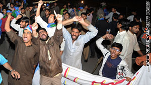 Pakistanis protesting in the aftermath of the release of a U.S. Central Intelligence Agency operative held on murder charges. The U.S. imperialists utilize Pakistan for their rear base in the Afghanistan war. by Pan-African News Wire File Photos