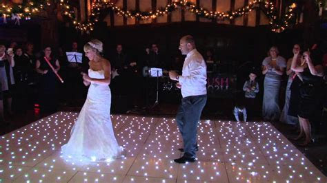 The BEST FIRST WEDDING DANCE EVER !! (NEW)  . Paz and