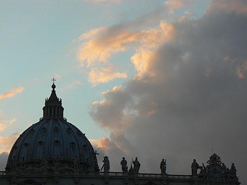 ciel au dessus de saint pierre de rome.jpg
