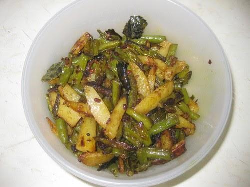 Divya's Recipes: Green Beans and Potato Stir Fry