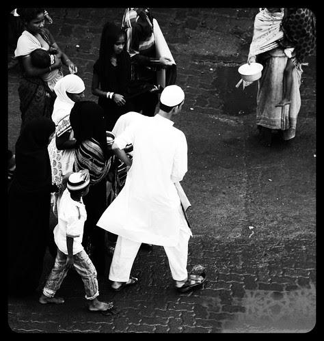 Bhai Yeh Mat Bolna Batwa Ghar Par Chod Ke Aya Ho by firoze shakir photographerno1