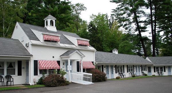 The Pondside Motel