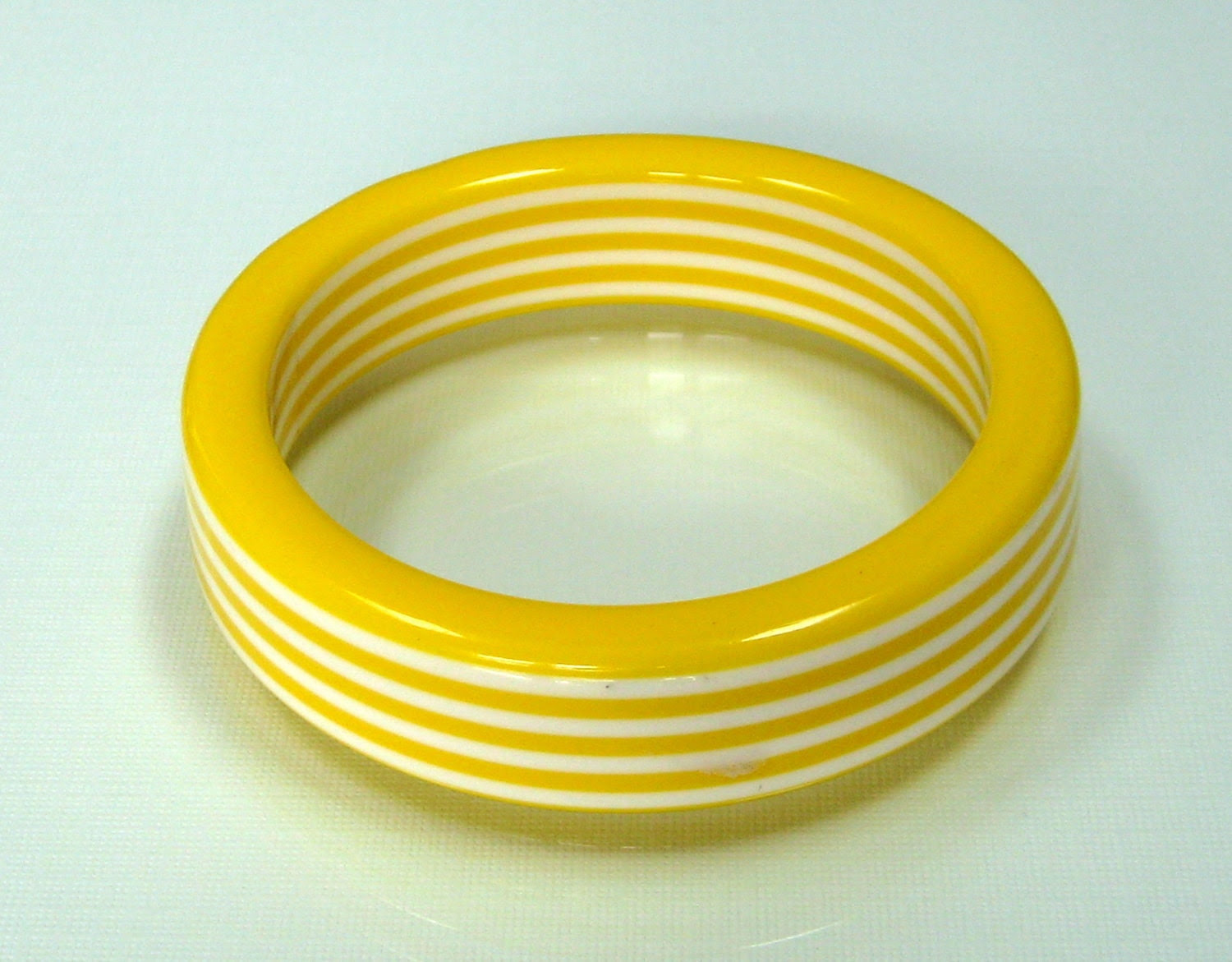 Vintage MOD bangle bracelet Striped Yellow and White lucite