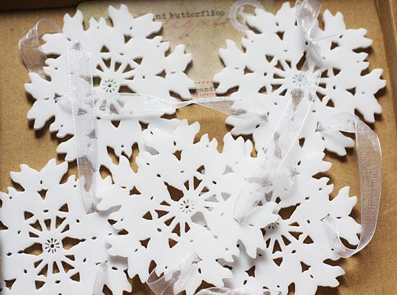 small snowflakes garland