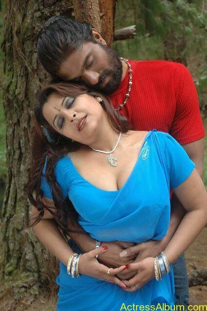 Thiruttu Sirukki Movie Photos _19_