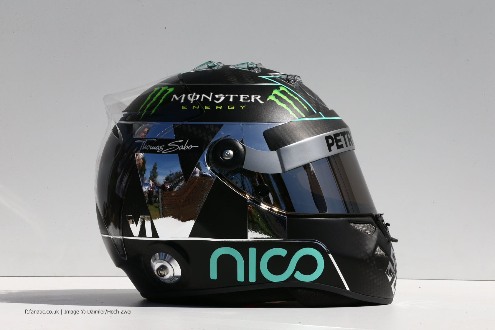 Nico Rosberg helmet right, Mercedes, 2014 · F1 Fanatic