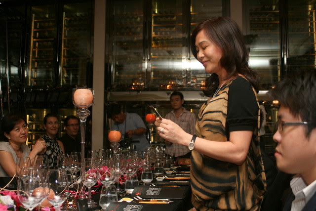 Ooi Huey Tyng, Senior Vice President and Head, Cards and Unsecured Loans, DBS Bank, kicked off the exclusive supper