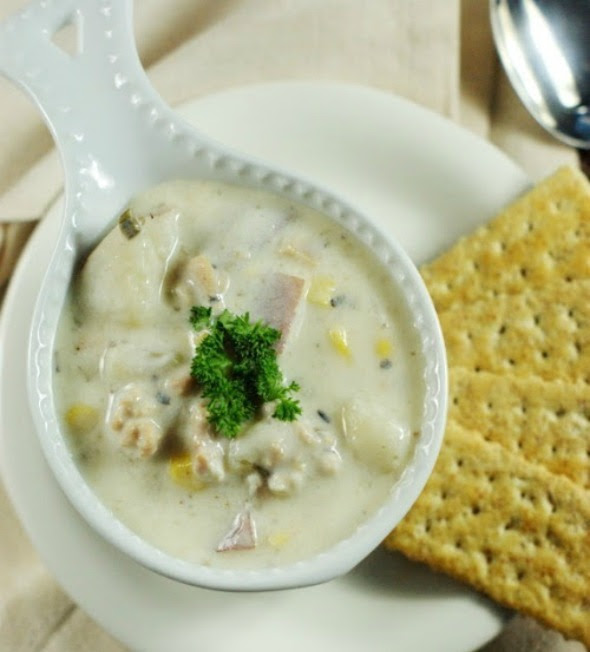 Slow Cooker Clam Chowder_top view 2