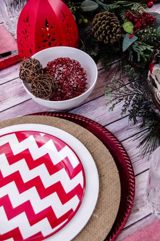 red-and-white-chevon-natural-christmas-tablescape-26-682x1024