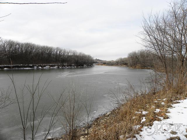 DSCN4822e River Pond