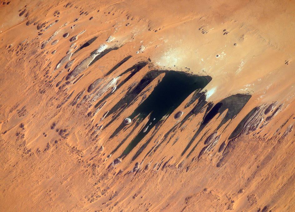 Resultado de imagen para desert from space