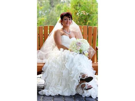 Ivy & Aster Gardenia, $450 Size: 10   Used Wedding Dresses