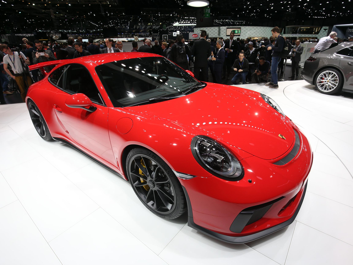 ... The latest version of the 911 GT3.