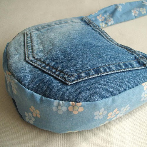 Blue sky and flowers reversible mini messenger bag
