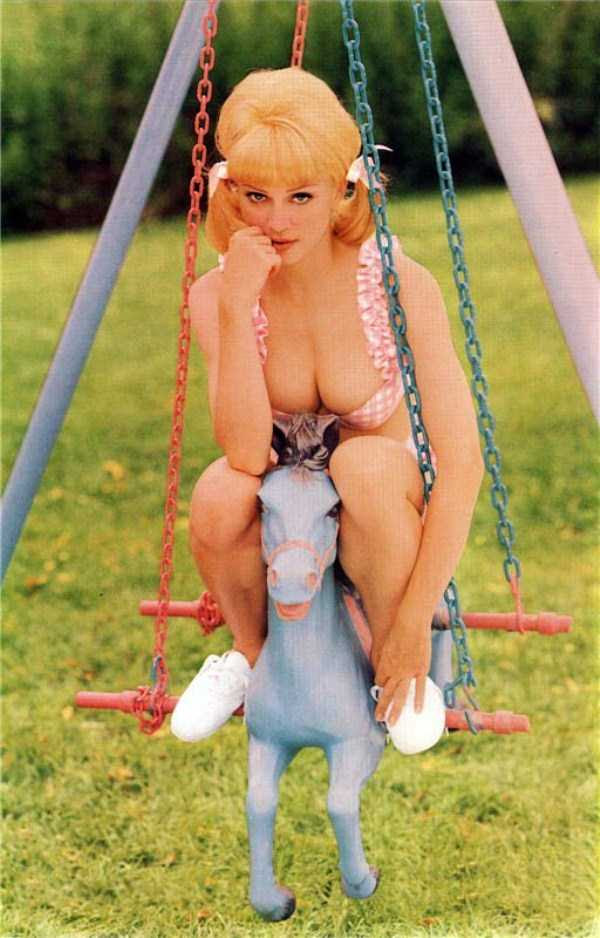 young-madonna-pictures (3)