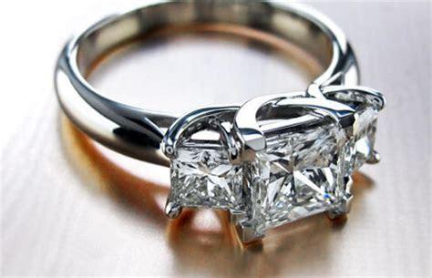 Princess Cut Diamond Engagement Ring Settings [Trends & Ideas]