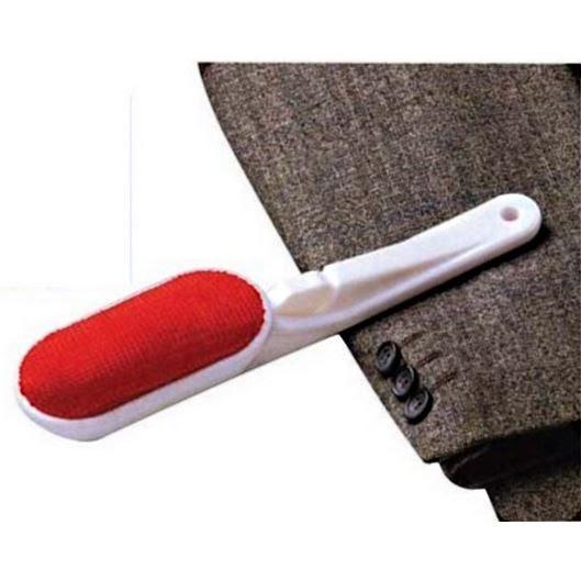 brosse pour enlever les poils sur les vetements. Black Bedroom Furniture Sets. Home Design Ideas