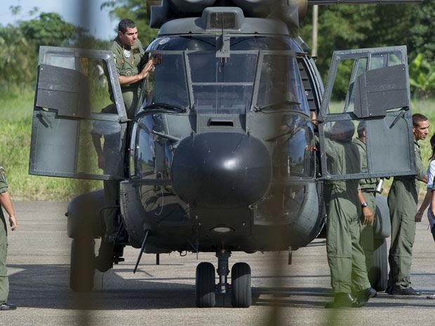 Militares brasileiros chegam a Villavicencio, na Colômbia (Foto: Luis Acosta/AFP)