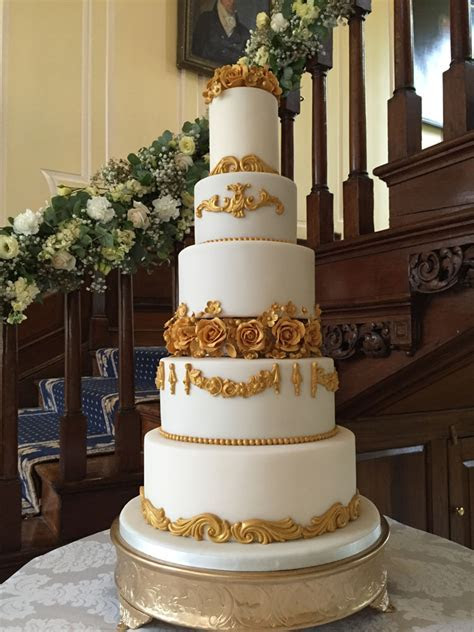 Celebration Cakes / Wedding Cakes   Colchester / Ipswich