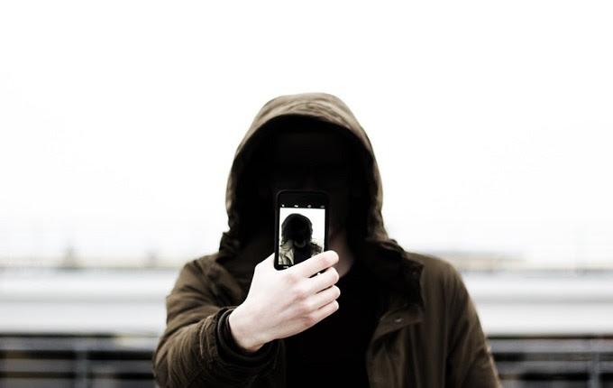 Keliru bila menganggap selfie itu gres ada di abad kini Laki Itu Otot Kawat Tulang Besi, Bukan Wajah Dirawat Lalu Kerjaannya Selfie