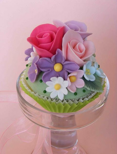 Strawberry Funnel Cake Cupcake
