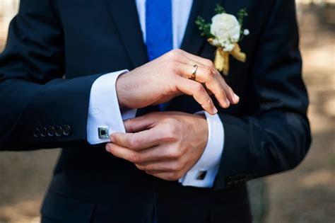 finding   wedding band   man