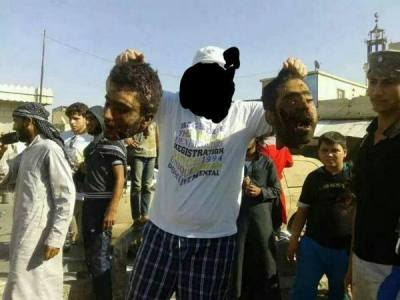 περιέφεραν τα κεφάλια Σύριων ηρώων και πάλι στην πόλη της Ράκκα