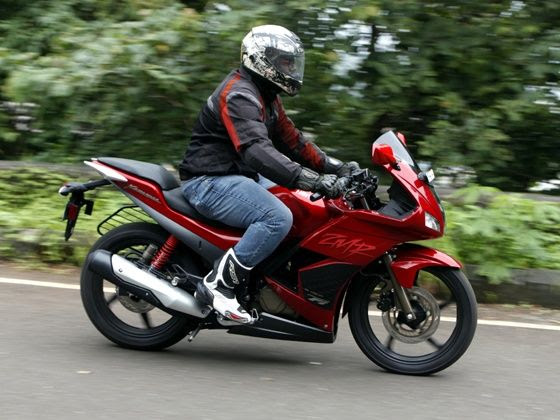 2014 Hero Karizma ZMR in action