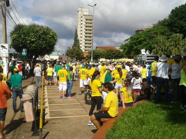 Grupo também fez protesto contra o governo em Rio Verde, Goiás (Foto: Divulgação/PM)