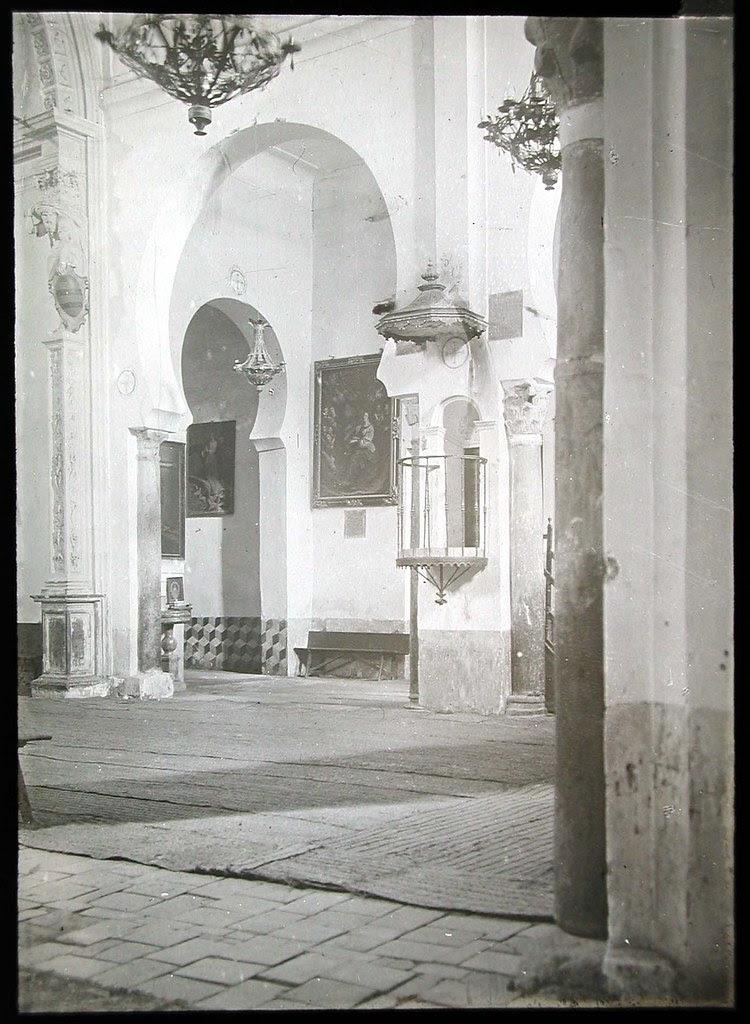 Interior de la Iglesia de San Román a inicios del siglo XX. Ateneo de Madrid