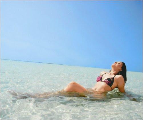 in bikini models Gladrags