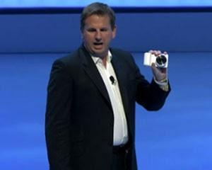 Samsung apresenta a Galaxy Camera, que roda o sistema operacional Android (Foto: Reprodução)