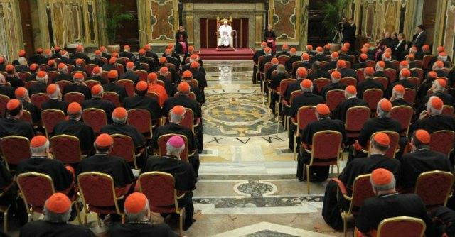 Concistoro 2014, Papa Francesco premia i cardinali stranieri. Solo 5 gli italiani