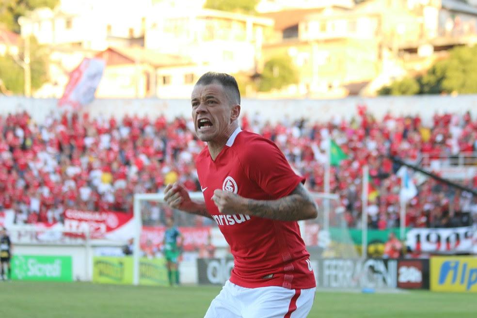 D'Alessandro é uma das apostas de remobilização do Inter para o início da disputa da Série B (Foto: Diego Guichard/GloboEsporte.com)