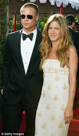 Controverso: O casal se conheceu no set de Sr. e Sra. Smith, em 2004, quando Brad ainda era casado com Jennifer Aniston estrela Amigos