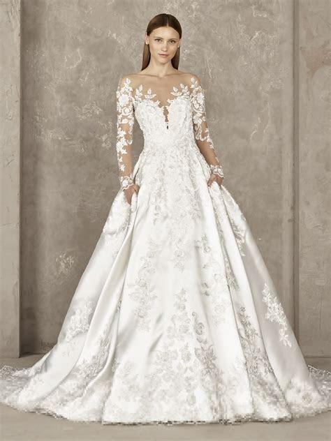Sexy, sensual and elegant wedding dress   Pronovias   YOVELA