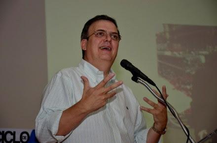 El exjefe de gobierno capitalino, Marcelo Ebrard, en Chiapas. Foto: Rubisel Gómez