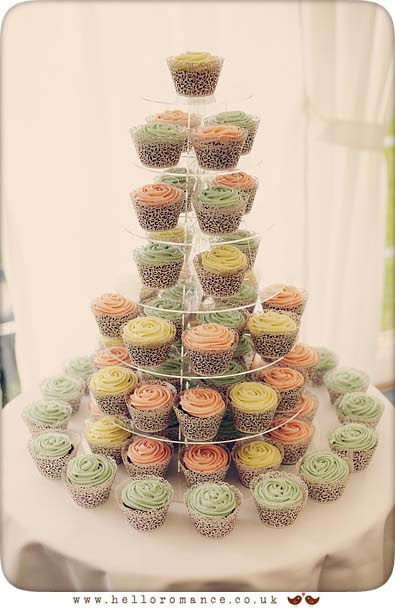 Cupcakes Wedding, Glemham Hall Wedding Photography Suffolk - Hello Romance