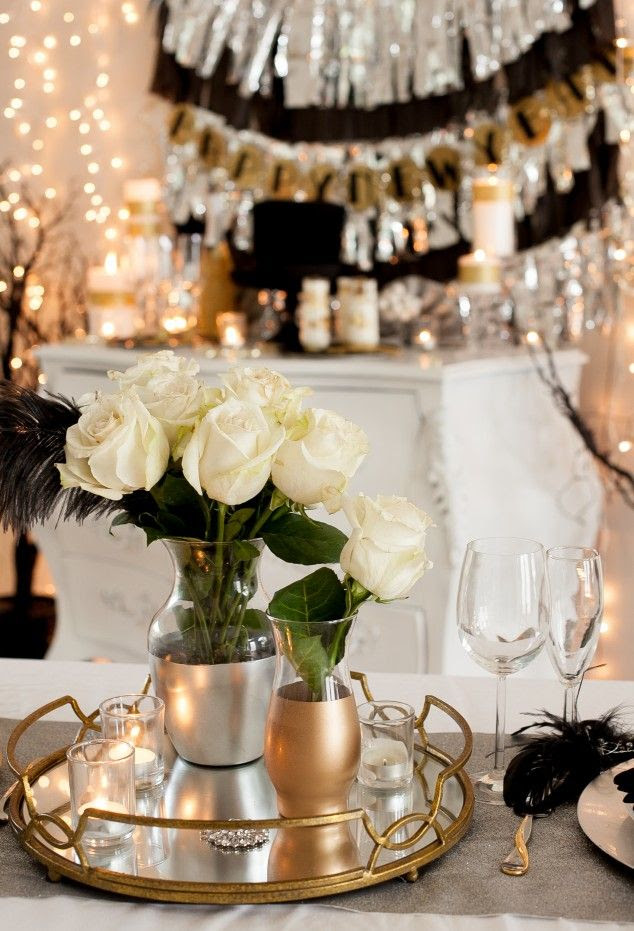 Easy and inexpensive New Year's Eve party ideas #newyearseve #NYE #party #DIY