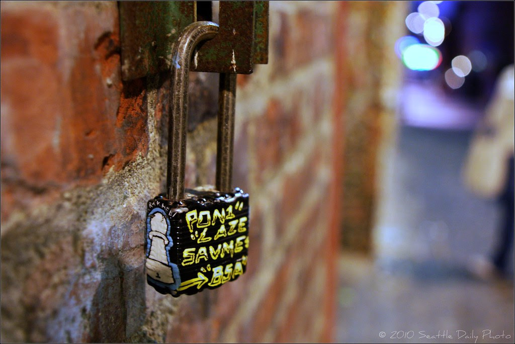 Gafitti Lock in Post Alley