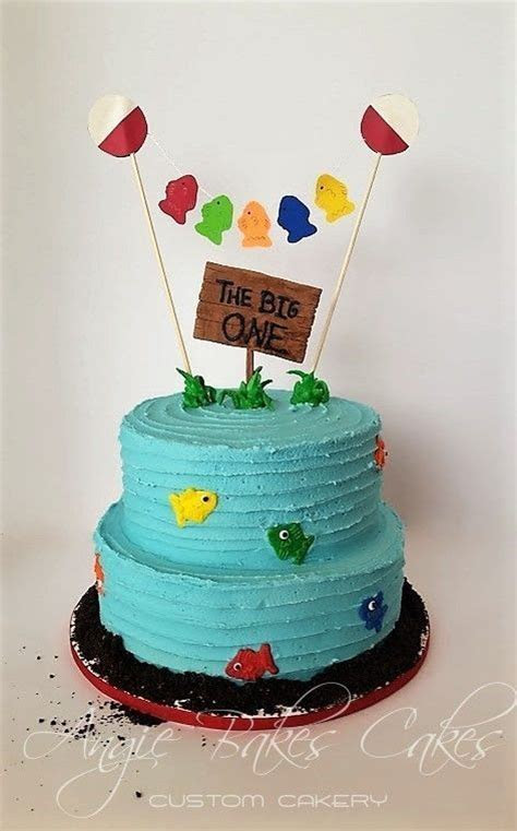 25  best ideas about Fishing theme cake on Pinterest