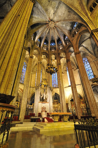 Inside Cathedral de Barcelona
