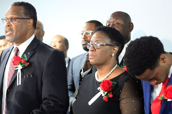 765b4cabfb Dallas Police Accused of Trying to Smear Botham Jean After Cop Killed Him  in His Home