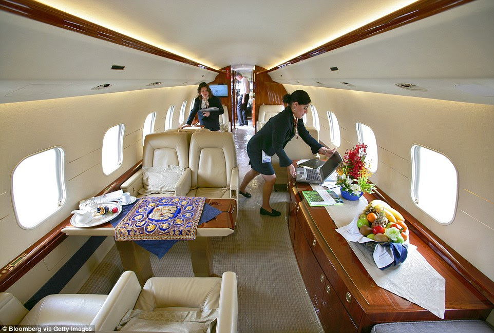 24B8006000000578 2911322 The_Global_Express_XRS_private_plane_has_a_sumptuous_leather_int a 13_1421338410756
