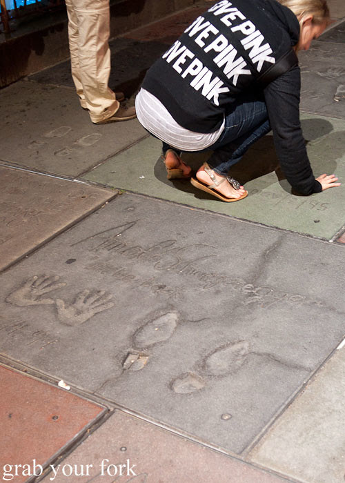 arnold scharzenegger handprints at manns chinese theatre graumans chinese theatre in la los angeles usa