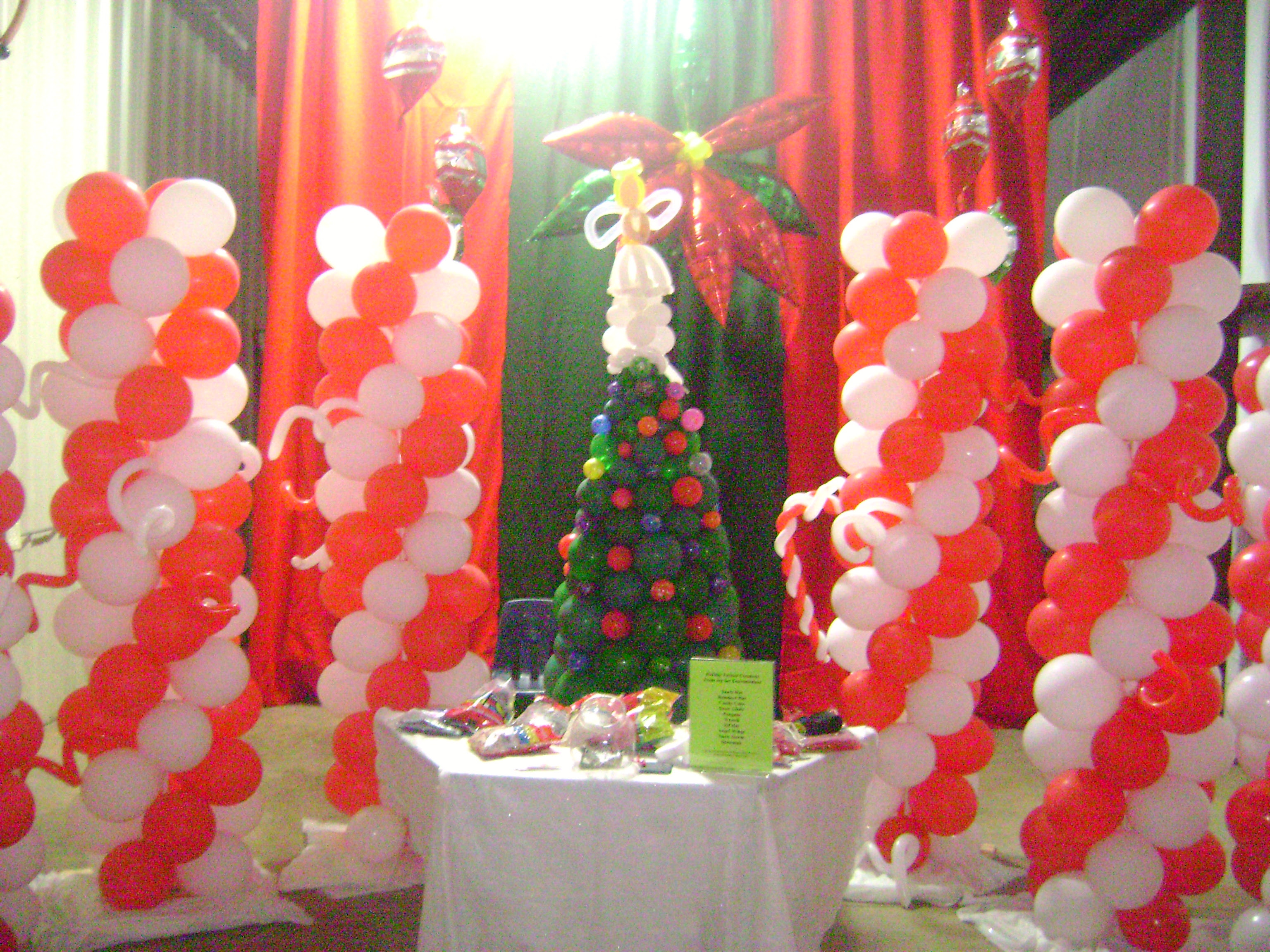 Greenville Christmas balloons balloon twister balloon decorator