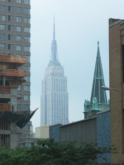 the Empire State Building in hazy weather, Manhattan, NYC