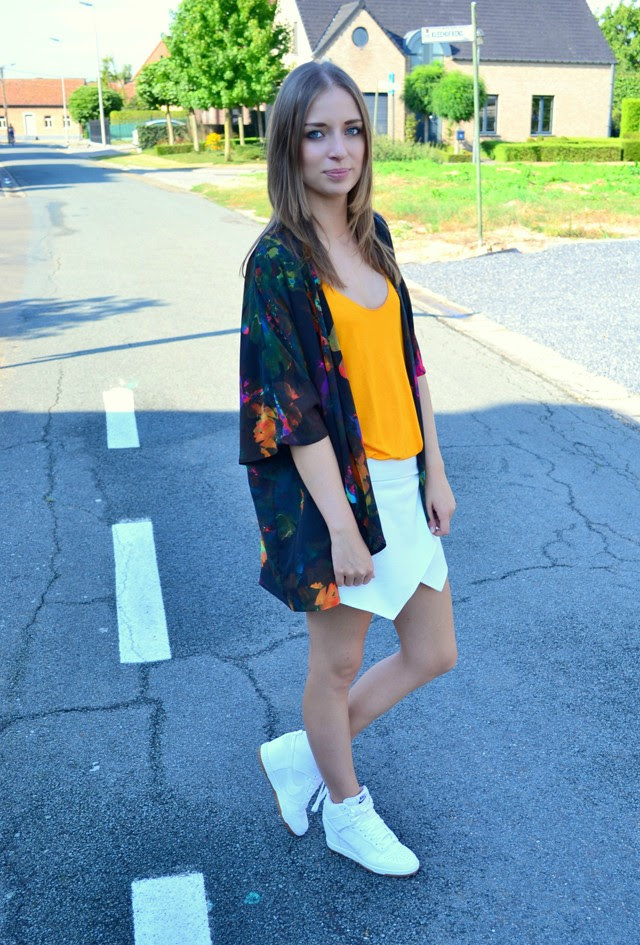 h&m kimono vest flower power tropical print orange zara top skort white nike dunk sky high hi mesh fashion blogger turn it insideout inspiration belgium